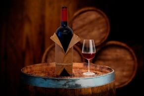 Weinprobe in einer Weinkellerei