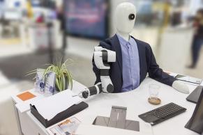 Roboter im Büro A4116
